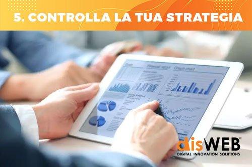 controlla la tua strategia di SMM